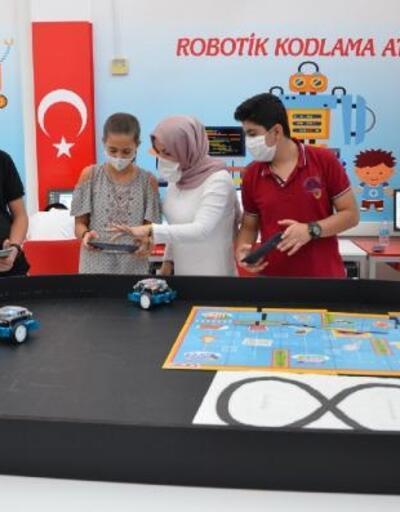 Diyarbakır'da çocuklar bilişim dünyasına hazırlıyor