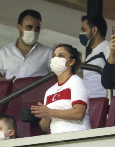 Milli maça 7 ay sonra seyirci alındı | Video
