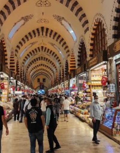 Mısır Çarşısı'nda koronavirüs denetimi