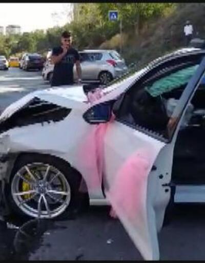 Kamyonet gelin arabasına böyle çarptı | Video