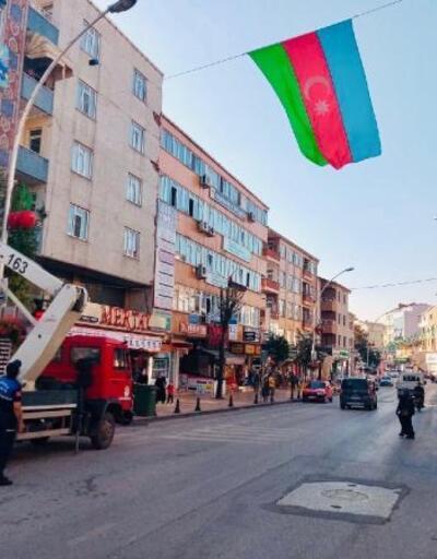 Körfez sokaklarında Azerbaycan bayrakları