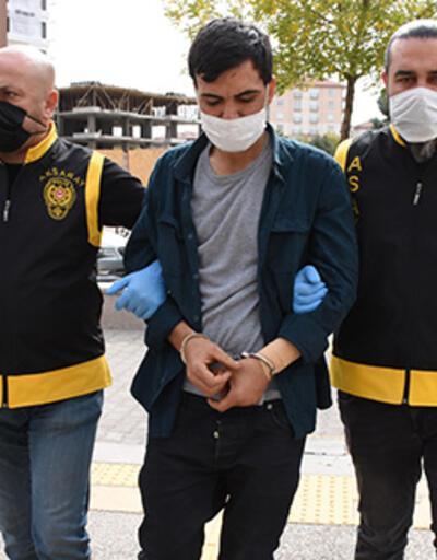 Aksaray'da kan donduran olay... Polise kapıyı açıp, bıçaklamaya devam etti