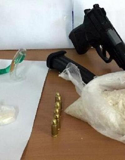 Bergama'da metamfetamin adlı uyuşturucuya gözaltı