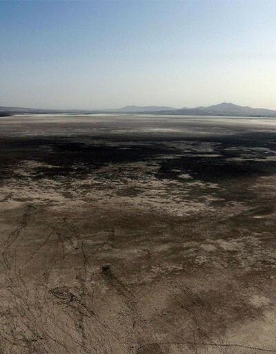 Seyfe Gölü de kuraklıktan nasibini aldı | Video