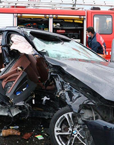 Kontrolden çıkıp otomobile çarptı: 5 yaralı