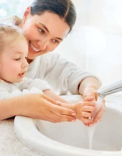 Uzmanından çocuklarda dezenfektan kullanımı uyarısı: En sağlıklısı su ve sabun