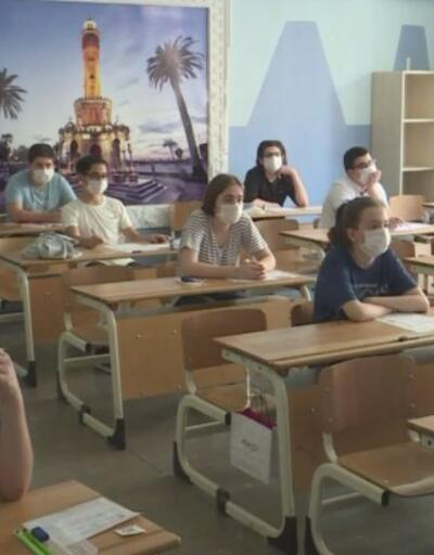 5. ve 9. Sınıflar okula başladı... İstanbul'da trafik yoğunluğu arttı | Video