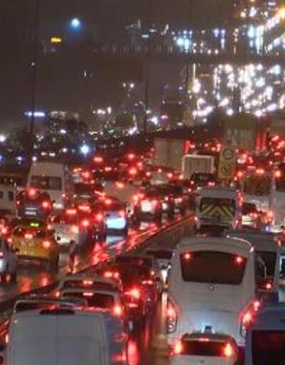 İstanbul'da trafik yoğunluğu yüzde 72'ye ulaştı