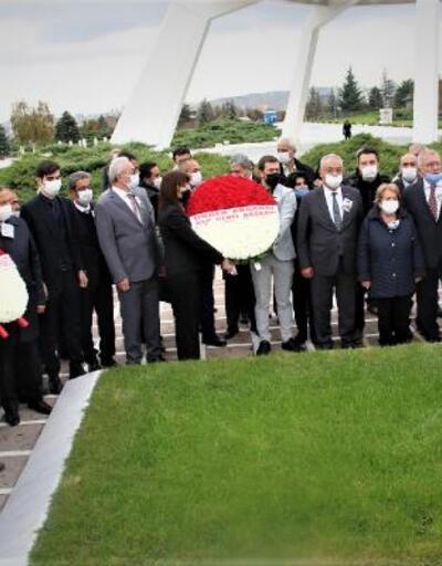 Ecevit, ölümünün 14. yılında mezarı başında anıldı