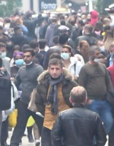 İstiklal'de korkutan kalabalık... Taksim'de sosyal mesafe kuralı rafa kalktı | Video