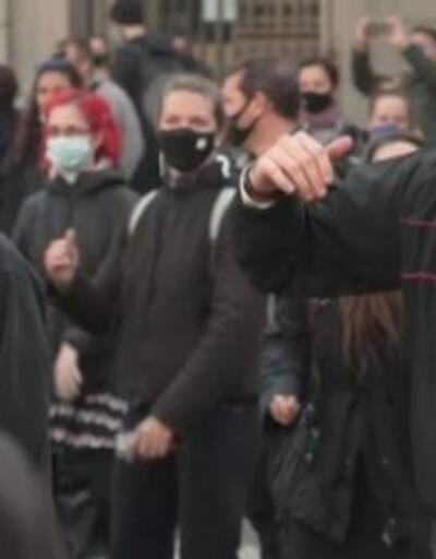 İspanya'da danslı protesto | Video