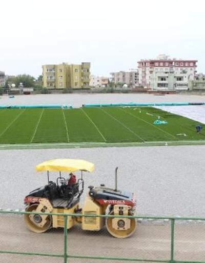 Silopi'deki stadyum sentetik çimle kaplanıyor