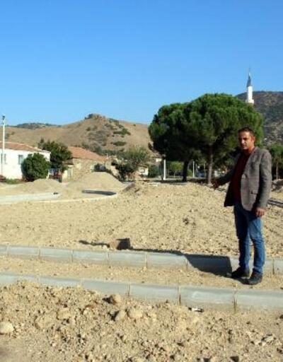 Nazilli Belediyesi'nden Esenköy'de park ve meydan düzenlemesi