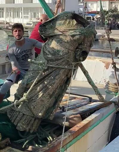 Denizden bronz kadın heykeli çıktı   Video