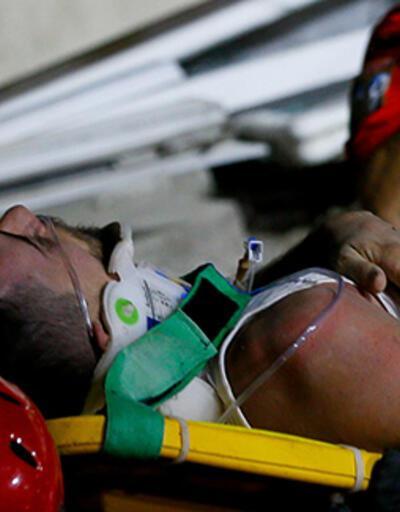 İzmir'deki depremde enkazdan çıkartılan amatör futbolcu, hastanede hayatını kaybetti