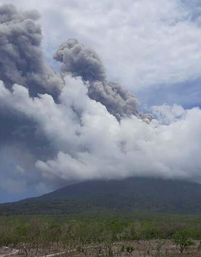 Ili Lewotolok Yanardağı'nda art arda patlama