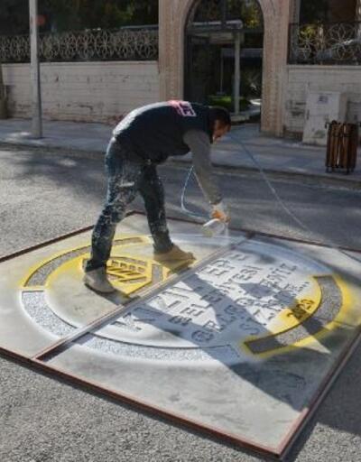 Kızıltepe'de yol yenileme çalışması sürüyor