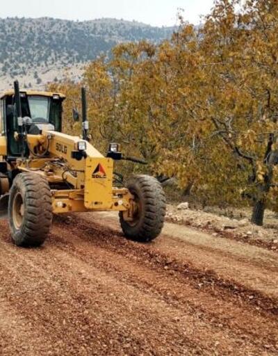 Mersin'de yol bakım çalışmaları sürüyor