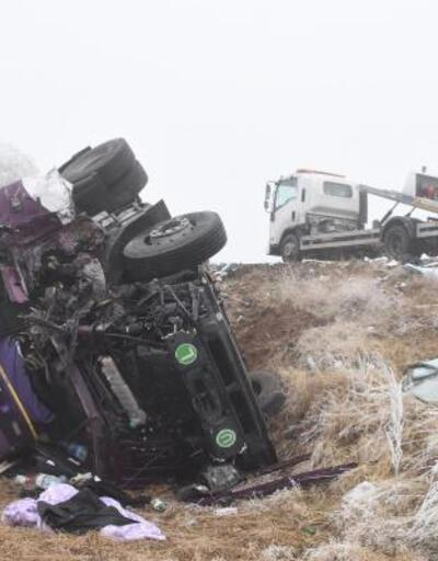 7 aracın karıştığı kazada 1 ölü, 5 yaralı