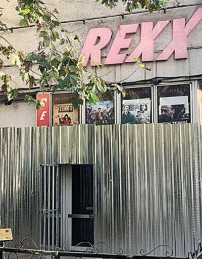 Bir tarih yıkılıyor: Rexx Sineması'nda yıkım başladı