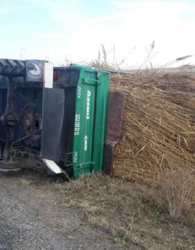 Tarım aracı devrildi: 2 yaralı