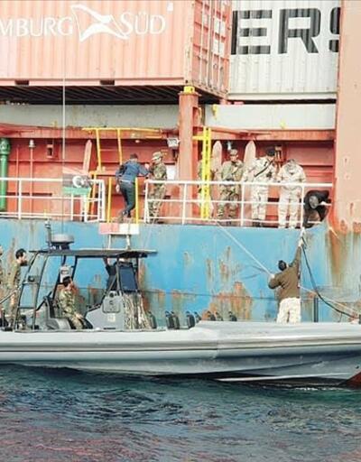 Hafter'in alıkoyduğu Türk gemisi serbest bırakıldı