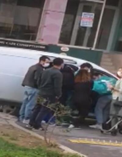 Hamile kadın hastane kapısında araçta doğum yaptı  Video