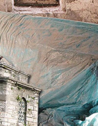 Tarihe saygısızlık! 500 yıllık 'naylon' türbe
