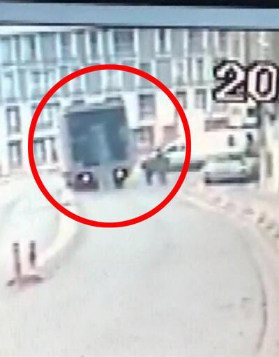 Kamyon 10 metre yüksekten düştü  Video