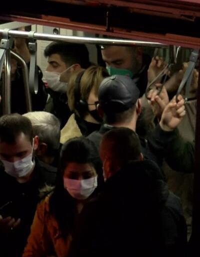 Kalabalıktan tramvayın kapısı kapanmadı | Video