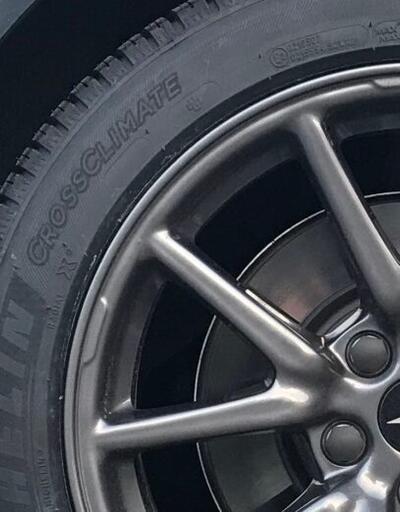 Tesla araçlarında yeni lastik modelleri kullanılabilir