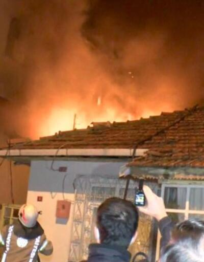 Ümraniye'de yılbaşı gecesi yangın paniği | Video