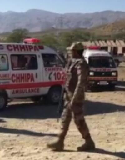 Pakistan'da madencilere silahlı saldırı: 11 ölü