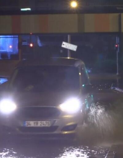 İzmir'de sağanak sele neden oldu   Video