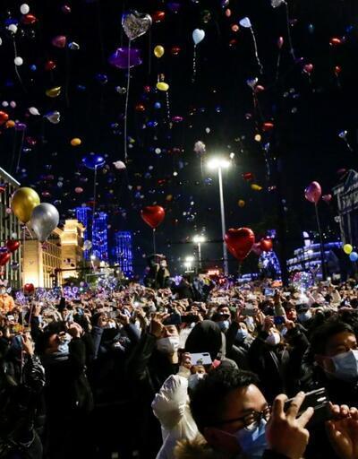 """Eleştiriler sonrası Çin'den dünyaya yanıt: """"Wuhan'da kutlamalar sürecek, alışın"""""""