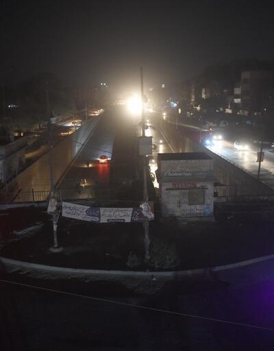 Pakistan'da birçok şehirde elektrik kesintisi