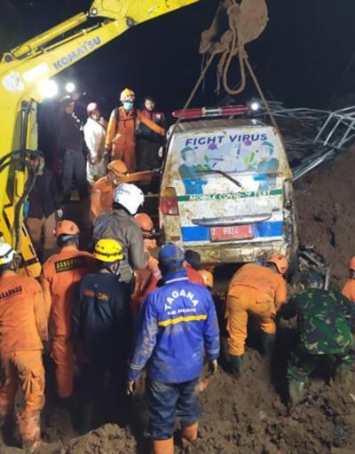 Endonezya'da heyelan: 11 ölü, 18 yaralı