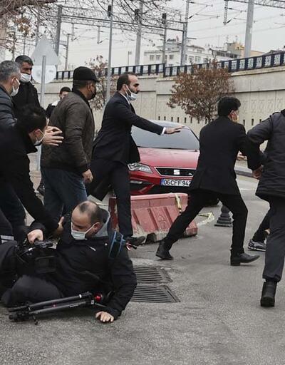 ÜmitcanUygun'un yakınları gazetecilere saldırdı