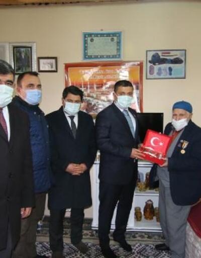 Kore Büyükelçiliği'nden Erciş'teki Kore Gazilerine 'kahramanlık' atkısı