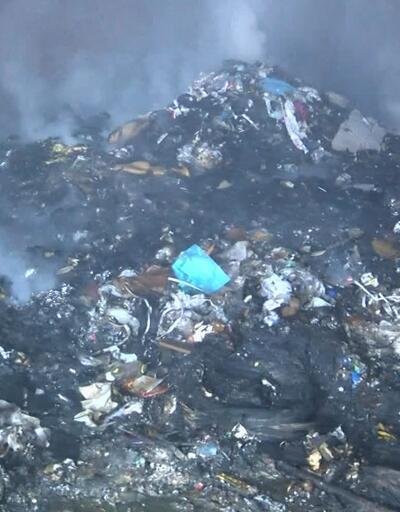 İstanbul'da geri dönüşüm deposunda yangın