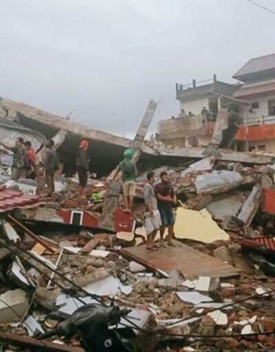 Endonezya'da 6,2 büyüklüğünde deprem: Ölü ve yaralılar var