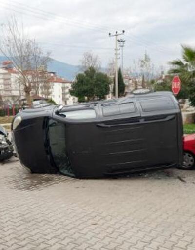 Kontrolsüz kavşakta zincirleme kaza
