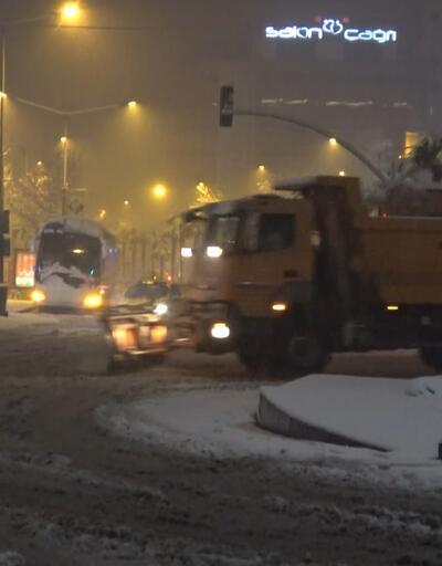 Bursa'da yoğun kar, hayatı olumsuz etkiledi