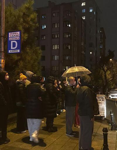 Kadıköy'de patlama! Mahalleli sokağa döküldü