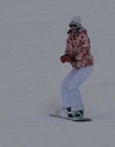 Uludağ'da yoğun kar... Zirve pistler tatilcilere kaldı