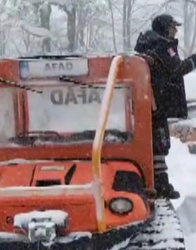Karda mahsur kalan kampçıları AFAD kurtardı