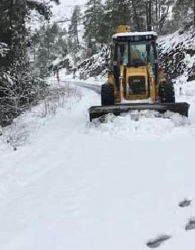 Orhaneli Belediyesi ekiplerinden kar seferberliği