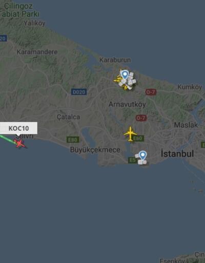 Taraftar Mesut Özil'in uçağını izliyor