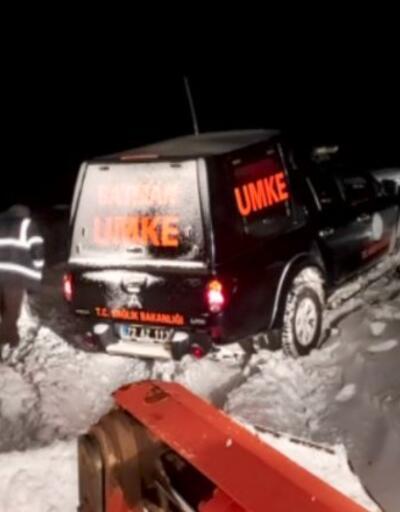 112 ekibi karda mahsur kaldı, 6 saat sonra kurtarıldı | Video