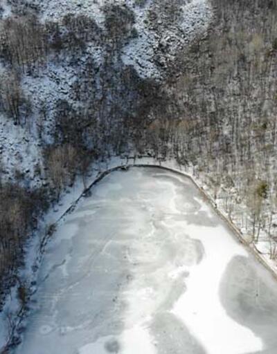 Karagöl Tabiat Parkı beyaza büründü